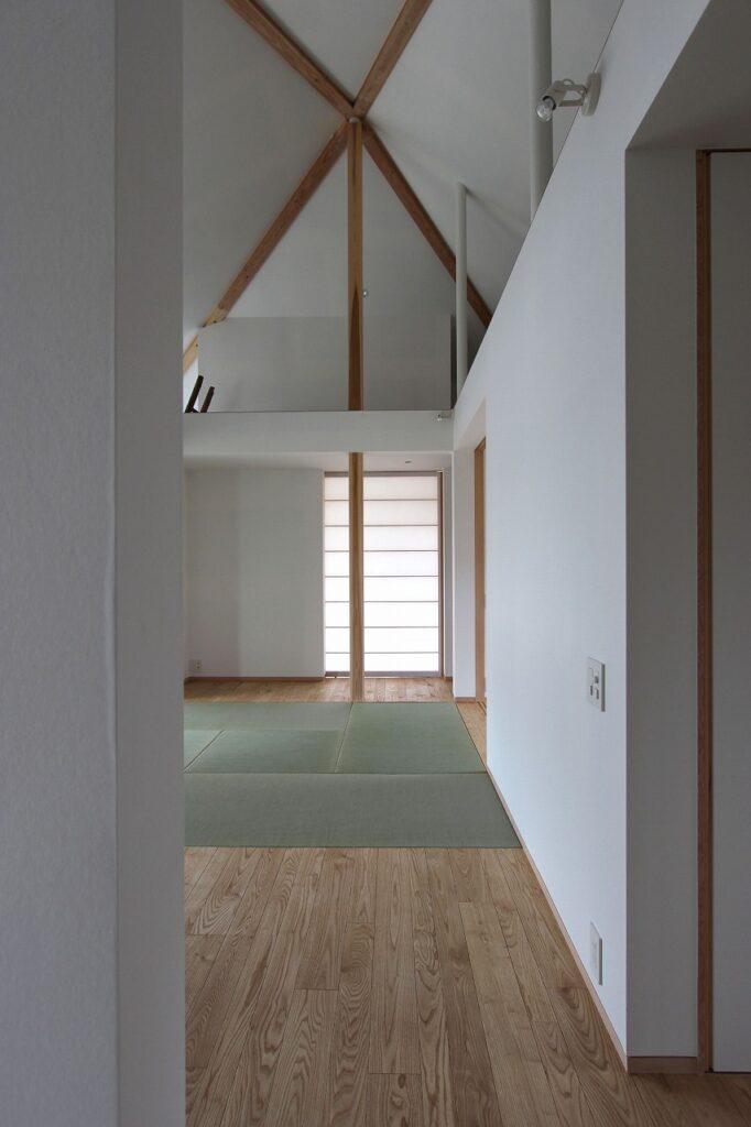 空間がつながり合う家具職人の家